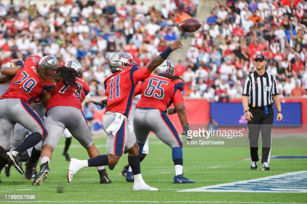 Houston Roughnecks wide receiver Kahlil Lewis throws to the flat from a clean pocket during first half action during the XFL football game between...