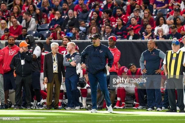 Houston Texans head coach Bill O'Brien looks on during the football game between the San Francisco 49ers and the Houston Texans on December 10 2017...