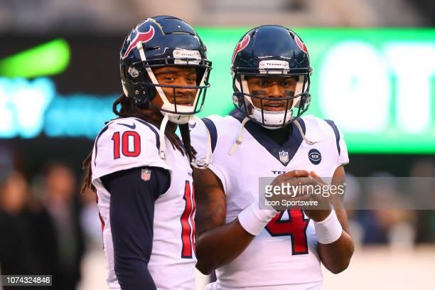Houston Texans quarterback Deshaun Watson and Houston Texans wide receiver DeAndre Hopkins during warm ups prior to the National Football League game...