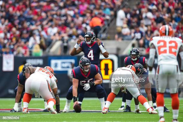Houston Texans quarterback Deshaun Watson gets ready to take a snap from Houston Texans center Nick Martin during the football game between the...