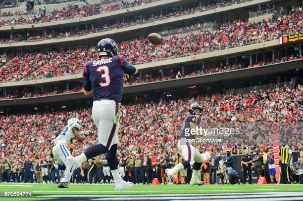 Houston Texans quarterback Tom Savage passes to the flat from his own endzone to Houston Texans fullback Jay Prosch during the football game between...