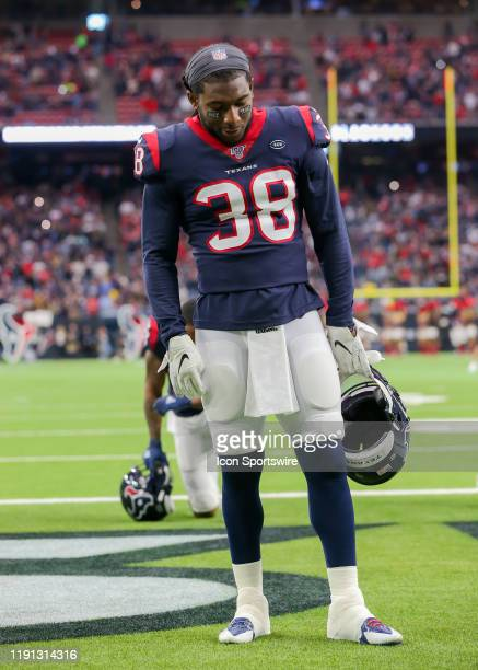 Houston Texans running back Buddy Howell takes a moment of prayer during the football game between the Tennessee Titans and Houston Texans on...