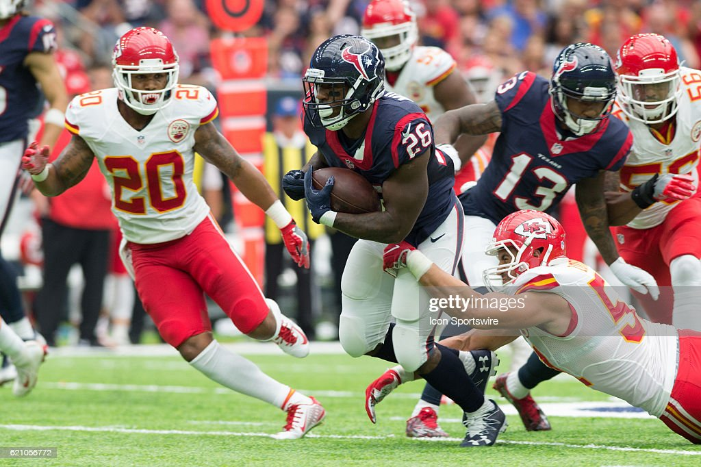 Houston Texans Running Back Lamar Miller (26) looks to run after catch during the NFL football game between the Kansas City Chiefs and Houston Texans on September 18, 2016 at NRG Stadium in Houston, TX.