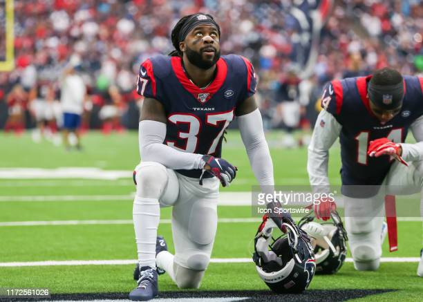 Houston Texans strong safety Jahleel Addae says a prayer during the football game between the Carolina Panthers and Houston Texans at NRG Stadium on...