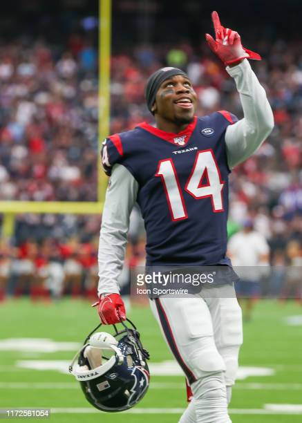 Houston Texans wide receiver DeAndre Carter says a prayer during the football game between the Carolina Panthers and Houston Texans at NRG Stadium on...