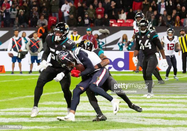 Houston Texans Wide Receiver DeAndre Hopkins finishes the job and scores a touchdown during the NFL game between the Houston Texans and the...