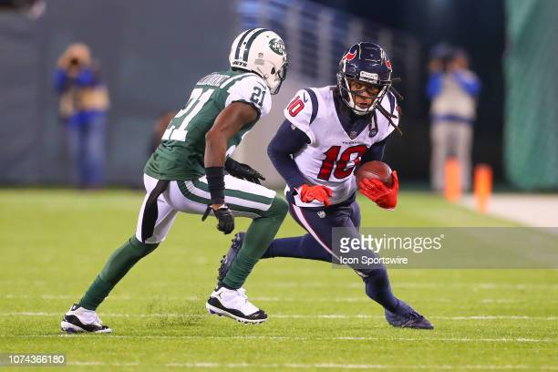 Houston Texans wide receiver DeAndre Hopkins makes a catch and run during the National Football League game between the New York Jets and the Houston...