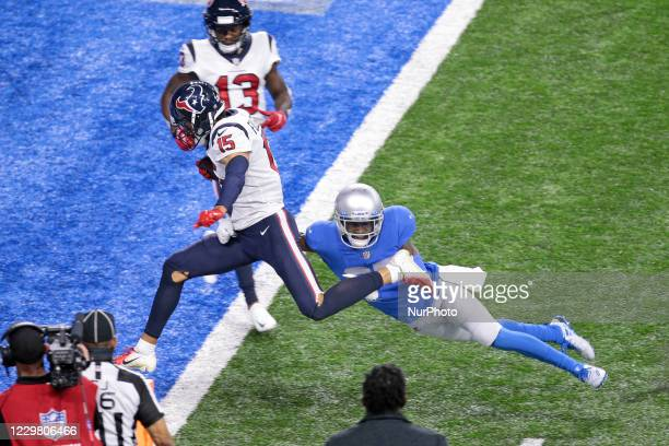 Houston Texans wide receiver Will Fuller scores a touchdown guarded by Detroit Lions cornerback Justin Coleman during the second half of an NFL...
