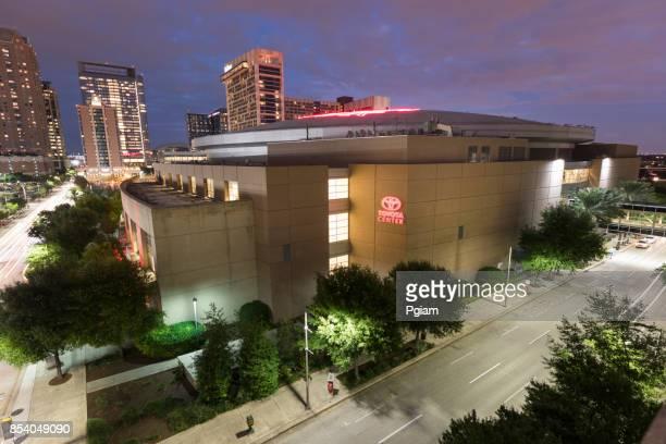 houston texas skyline - toyota center houston stock pictures, royalty-free photos & images