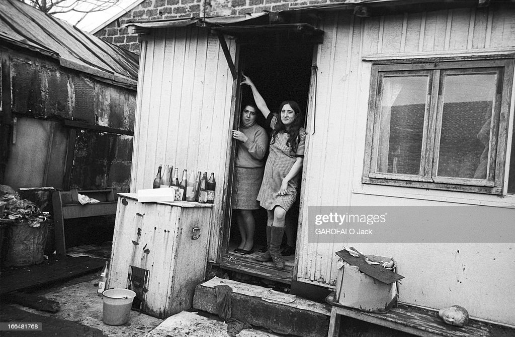 Hovels And Shanty Towns Of Paris Region. France, 13 Novembre 1972, Autour De