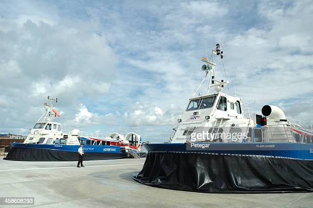 hovercraft at ryde, isle of wight - portsmouth england stock pictures, royalty-free photos & images