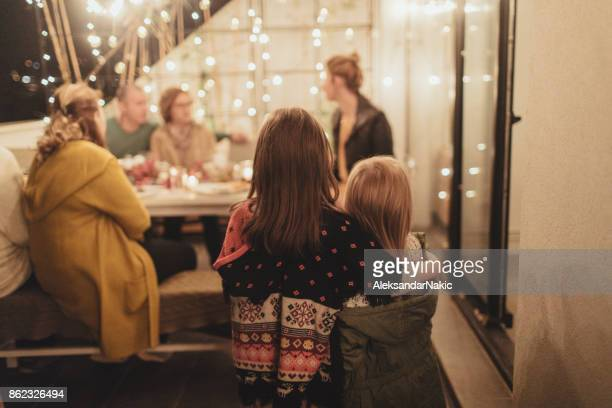 how does my family celebrate thanksgiving day - medium group of people stock pictures, royalty-free photos & images