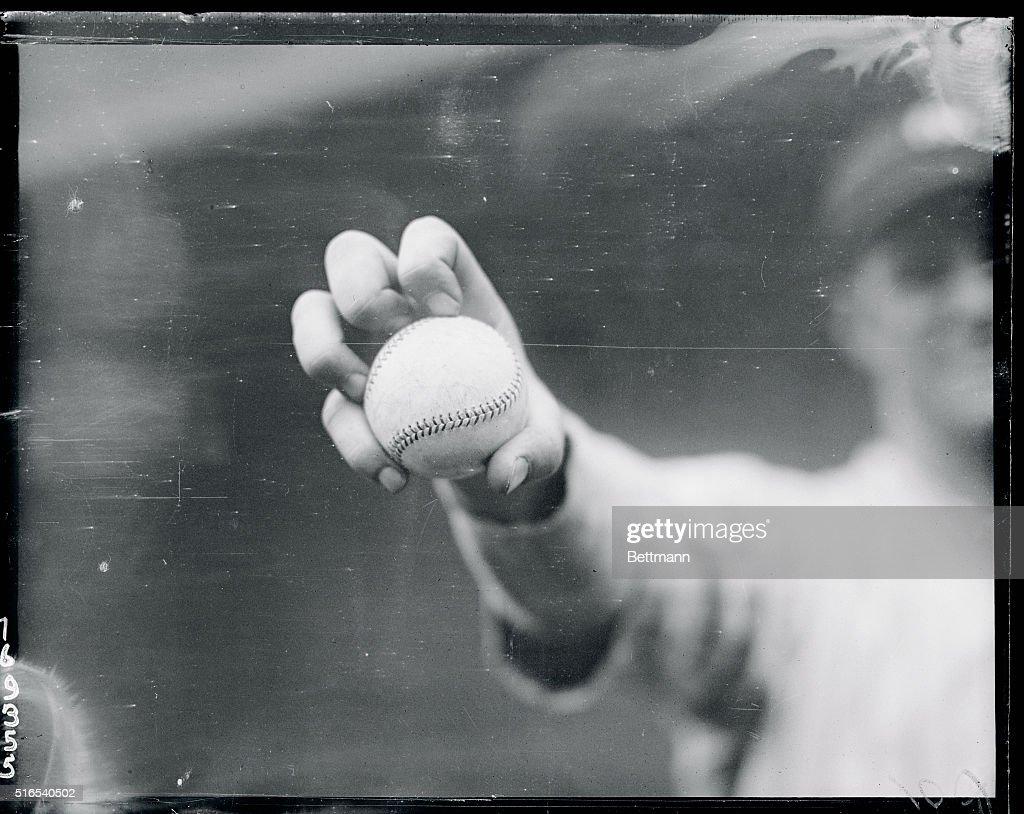 George Murray's Knuckle Ball Grip : News Photo