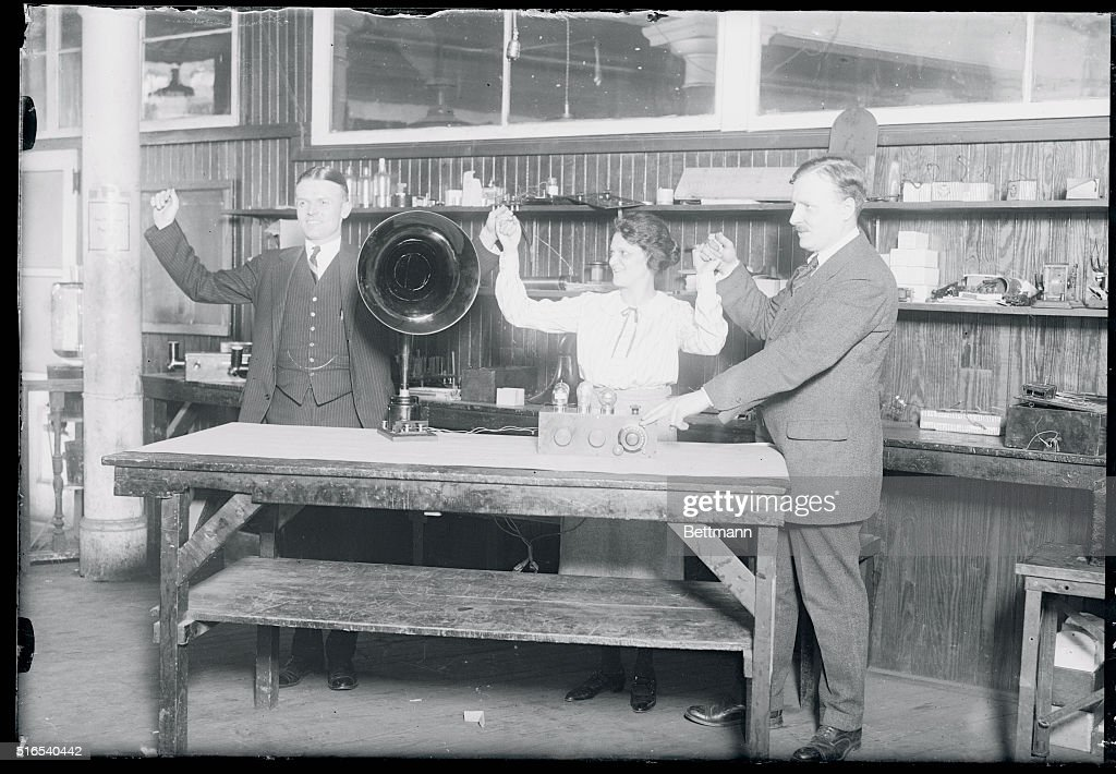 People Operating a Radiophone : News Photo