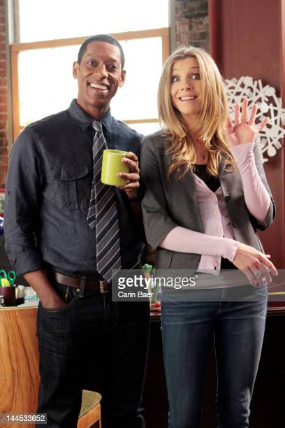 How to Live with Your Parents stars Sarah Chalke as Polly Jon Dore as Julian Rachel Eggleston as Natalie Brad Garrett as Max Orlando Jones as Gregg...