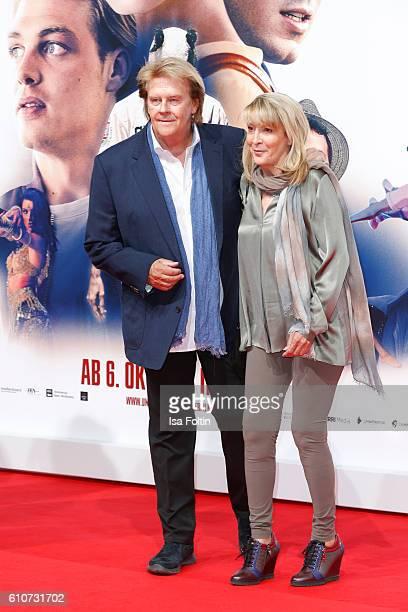 Howard Carpendale and his girlfriend Donnice Pierce attend the 'Unsere Zeit ist jetzt' World Premiere at CineStar on September 27 2016 in Berlin...