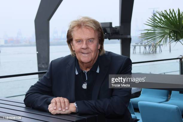 Howard Carpendale attends a photo call to present his new record Symphonie meines Lebens on October 24 2019 in Hamburg Germany