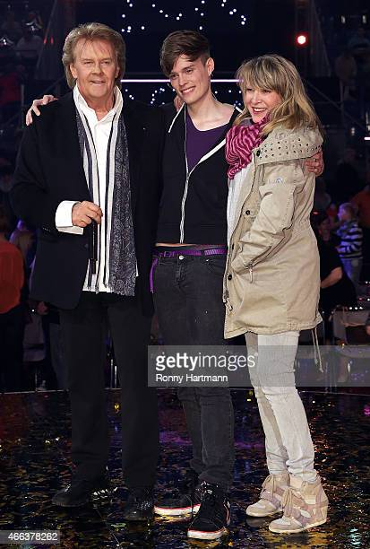 Howard Carpendale Donnice Pierce and their son Cass Carpendale pose after the 'Die Besten im Fruehling' TV show at GETEC Arena on March 14 2015 in...