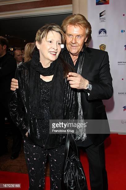 Howard Carpendale Und Donnice Pierce Bei Der 20 Verleihung Diva Deutscher Entertainment Preis Im Hotel Bayerischer Hof In München