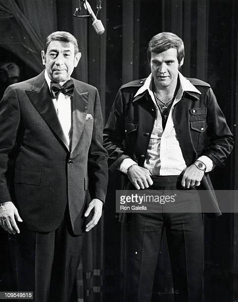 Howard Cosell and Lee Majors during Howard Cosell on 'Saturday Night Live' November 1 1975 at Ed Sullivan Theatre in New York City New York United...