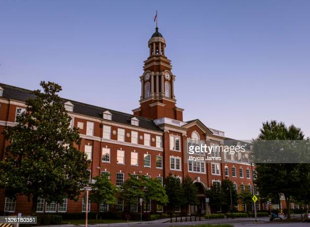 howard h. baker, jr. united states courthouse in knoxville - brycia james stock pictures, royalty-free photos & images