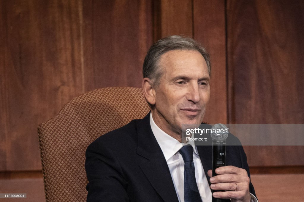 DC: Former Starbucks CEO Howard Schultz Book Tour