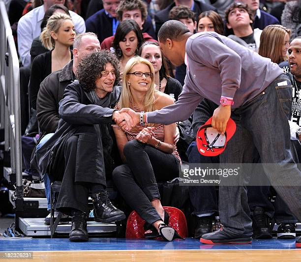 Howard Stern Beth Ostrosky and Anthony Anderson attend the Milwaukee Bucks vs New York Knicks game at Madison Square Garden on February 5 2010 in New...