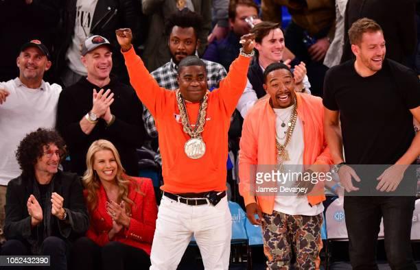 Howard Stern Beth Ostrosky Stern Tracy Morgan Allen Maldonado and David Lee attend the New York Knicks vs Atlanta Hawks game at Madison Square Garden...