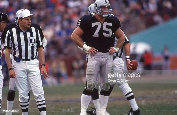 LOS ANGELES CA Howie Long of the Los Angeles Raiders circa 1987 at the Coliseum in Los Angeles California