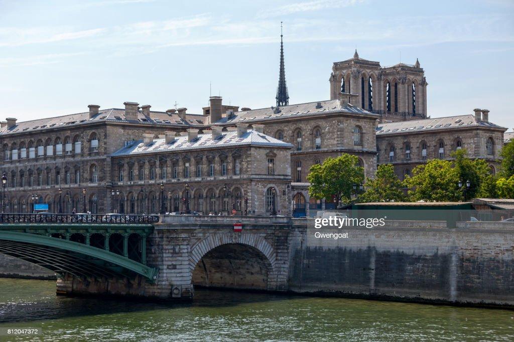 Hôpital Hôtel-Dieu in Paris : Stock Photo