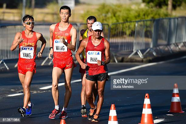 Hu Yang and Mingli Wang of China Rolando Saquipay Pani and Claudio Villanueva Flores of Ecuador compete during the Caixa Brasil Race Walk Cup Aquece...