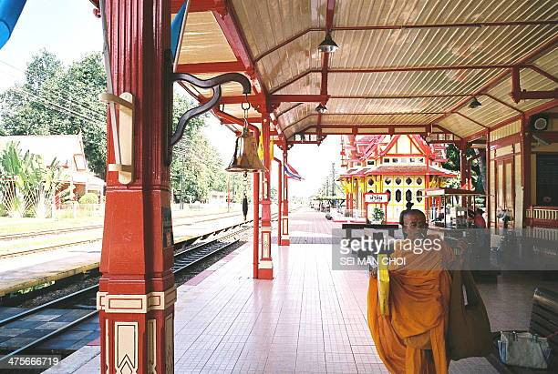 CONTENT] Hua Hin's popularity began to increase in the 1920's as the railway line from Bangkok was constructed and King Rama VI built Klai Kangwon...