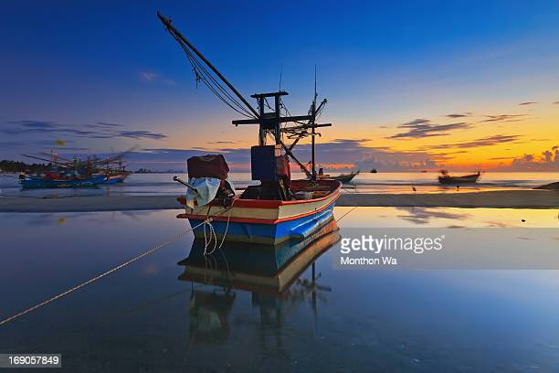 huahin beach - prachuap khiri khan province stock pictures, royalty-free photos & images