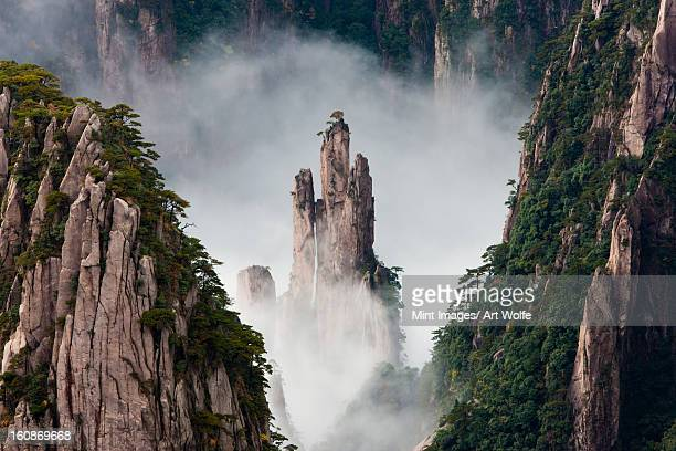 huang shan, anhui province, china - anhui province stock pictures, royalty-free photos & images