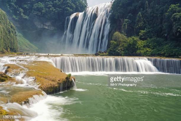 huangguoshu waterfall - province du guizhou photos et images de collection