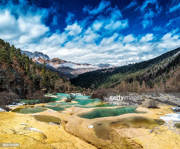 huanglong national park - 四川省 ストックフォトと画像