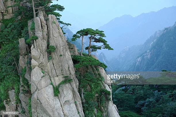 huangshan in china - lotus flower peak stock pictures, royalty-free photos & images