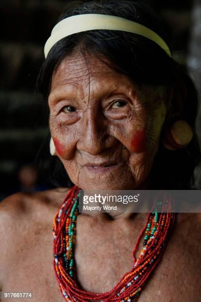 Huaorani Amerindians trying to survive through ecotourism against the threat of oil multinationals Yasuni National Park Amazon Ecuador