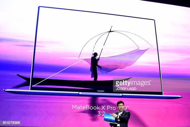 Huawei CEO Richard Yu gives a press conference to present the new Huawei MateBook X pro laptop on February 25 2018 in Barcelona on the eve of the...
