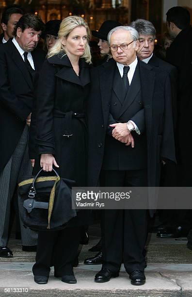 Hubert Burda and his wife Maria Furtwaengler follow the coffin containing his mother Aenne Burda after the funeral service on November 10 2005 in...