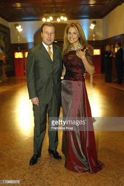 Hubert Kahl Und Moderatorin Karen Webb Bei Der Bmw Meisterwerke Gala Im Schloss Faber-Castell In Stein Bei Nürnberg