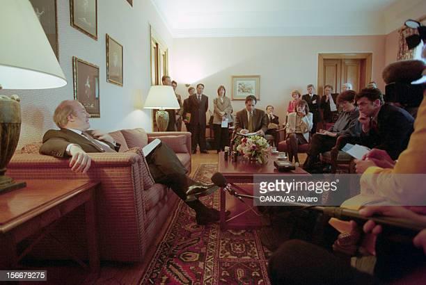 Hubert Vedrine Two Days Visit In Moscow Moscou 28 et 29 septembre 2000 Lors de sa visite de deux jours en Russie Hubert VEDRINE ministre des Affaires...
