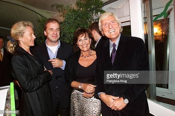 Hubertus Meyer Burckhardt Mit Ehefrau Jacqueline Katharina Manfred Baumann Beim Reemtsma Medientreff In Hamburg