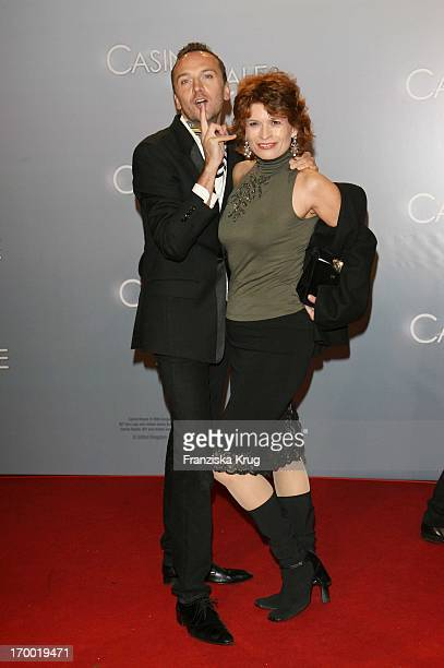 Hubertus Regout And Gabrielle Scharnitzky In Germany at Premiere Of Casino Royale in Cinestar Potsdamer Platz Berlin