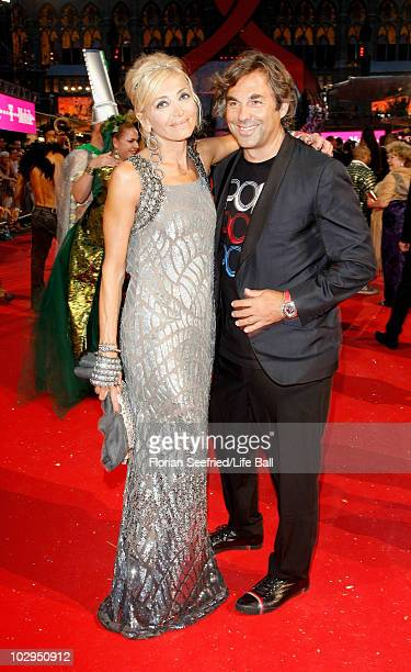 Hubertus von Hohenlohe and Simona Gandolfi attends the 18th Life Ball at the Town Hall on July 17 2010 in Vienna Austria The Life Ball is an annual...
