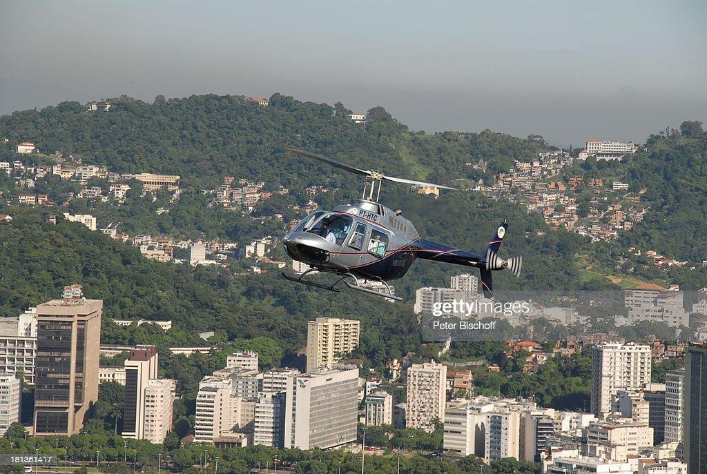 Hubschrauber Am Zuckerhut Im Hintergrund Stadtteil Von Botaf