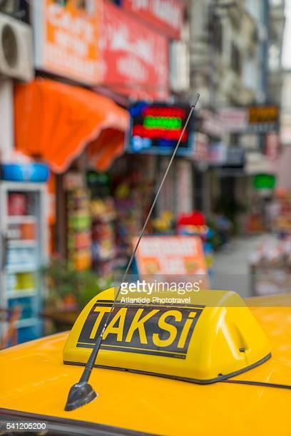 Hudavendigar Cad, taxi