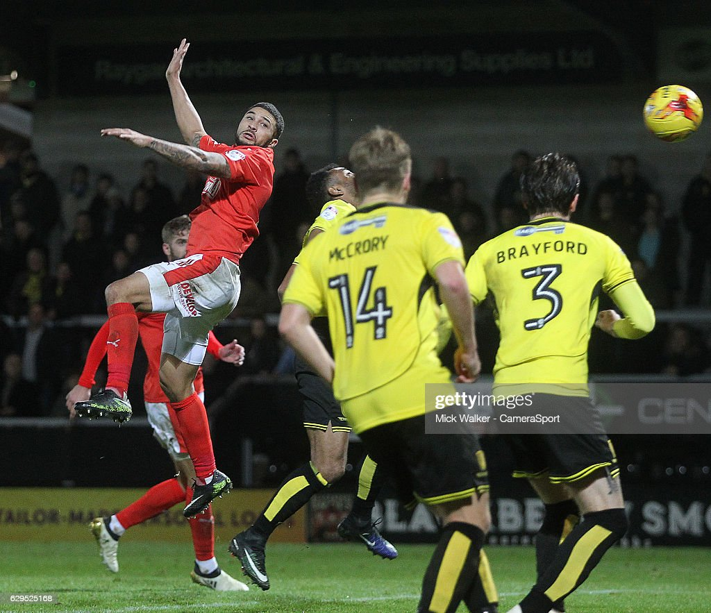 Huddersfield Town's Nahki Wells scores his sides first goal during the Sky Bet Championship match between Burton Albion and Huddersfield Town at Pirelli Stadium on December 13, 2016 in Burton-upon-Trent, England.