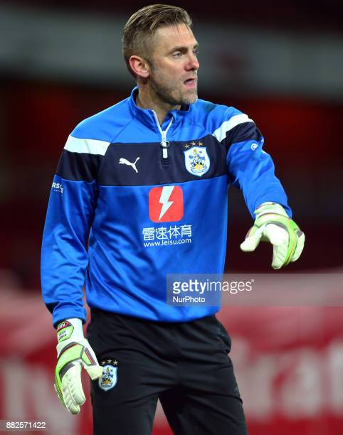 Huddersfield Town's Robert Green during the prematch warmup during Premier League match between Arsenal and Huddersfield Town at Emirates Stadium...