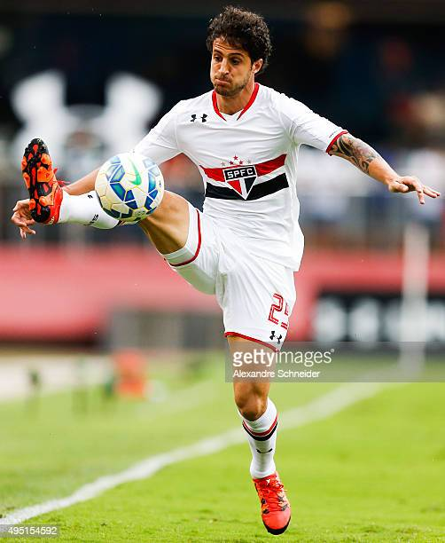 Hudson of Sao Paulo in action during the match between Sao Paulo and Sport Recife for the Brazilian Series A 2015 at Morumbi stadium on October 31...